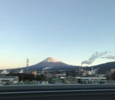 新幹線の中からの富士山。